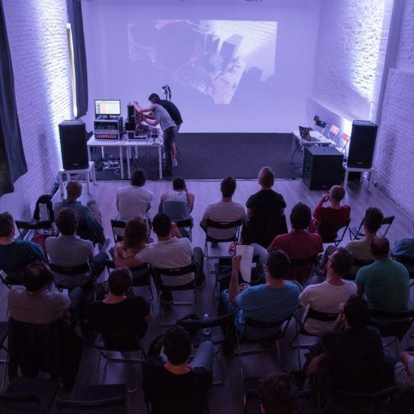 Arca Studios docks dora studio a coworking ufficio industriale torino teatro workshop corsi sala cinema limbo fotografia gabriella di muro moda teatro di posa noleggio