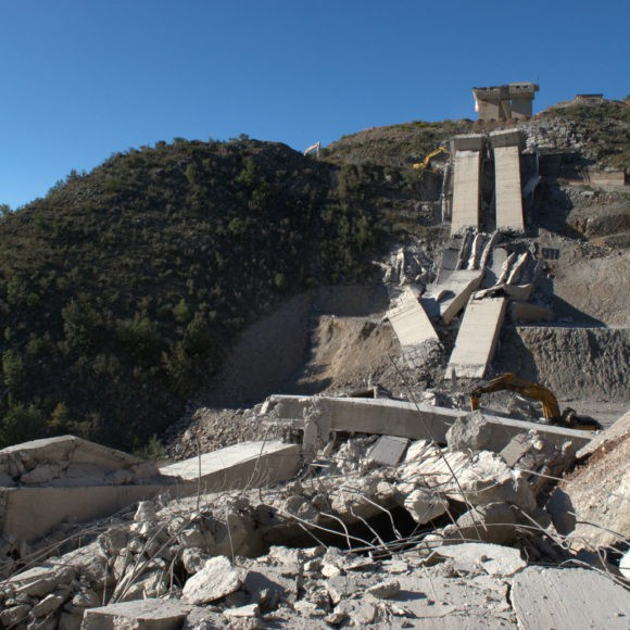 arca studios viadotto caffaro botto smontaggi edilizia spor documentario esplosione basilicata