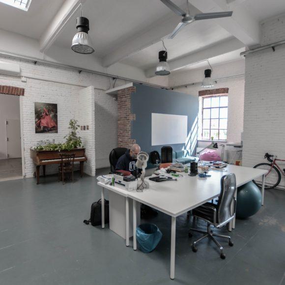 arca studios coworking collettivo professionisti ufficio meeting room docks dora