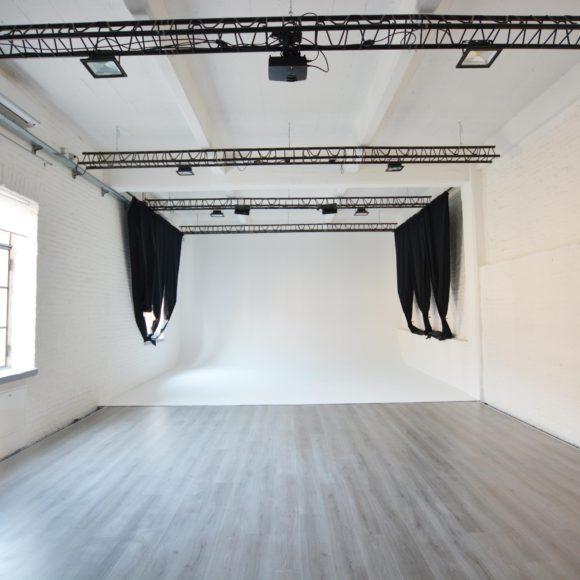 arca studios spot location set teatro di posa professionisti torino docks dora blackmagic