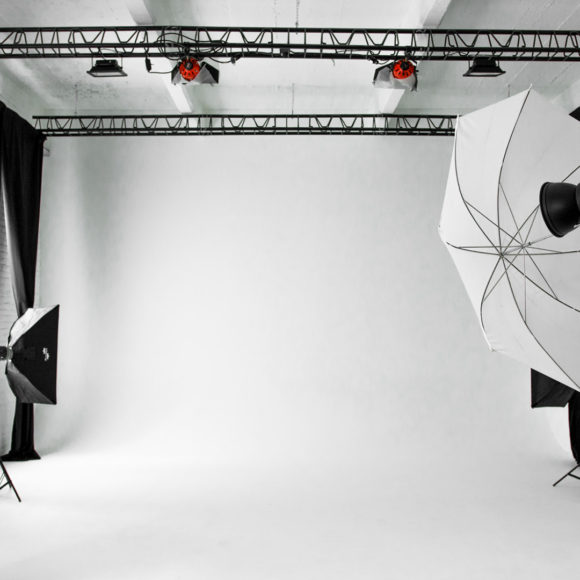 Arca Studios docks dora studio b coworking ufficio industriale torino teatro workshop corsi sala cinema limbo fotografia gabriella di muro moda teatro di posa noleggio